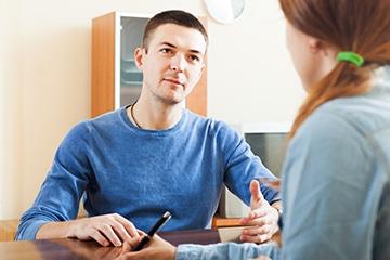 Le futur résident est orienté par un médecin ou travailleur social. Son dossier médical et social est étudié par la commission d'admission d'ACT 64.